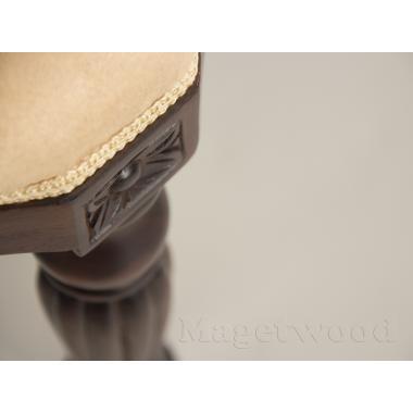 PF10  Пуфик, обитый тканью 50x40x50 cm